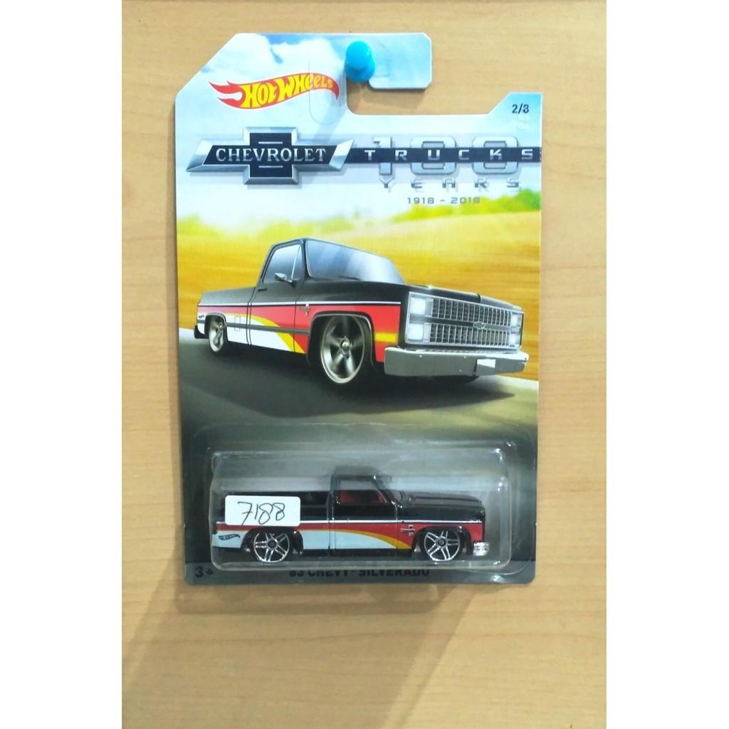 Hot Wheels '83 Chevy Silverado Chevrolet Trucks 100 Years 2017 #2/8 - Kd7xtn