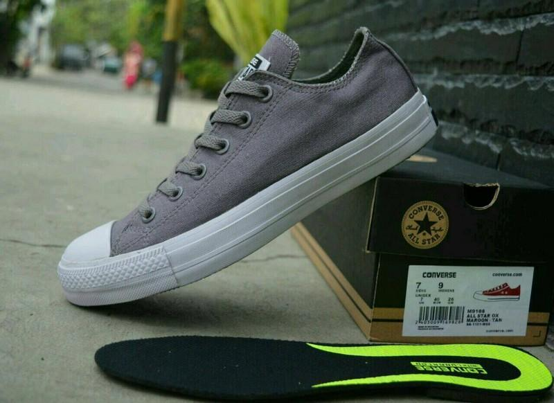 Converse Chuck LOW Taylor All Star Classic Colour High Top Sepatu Sneakers  - ABU-ABU 53fe378e1c