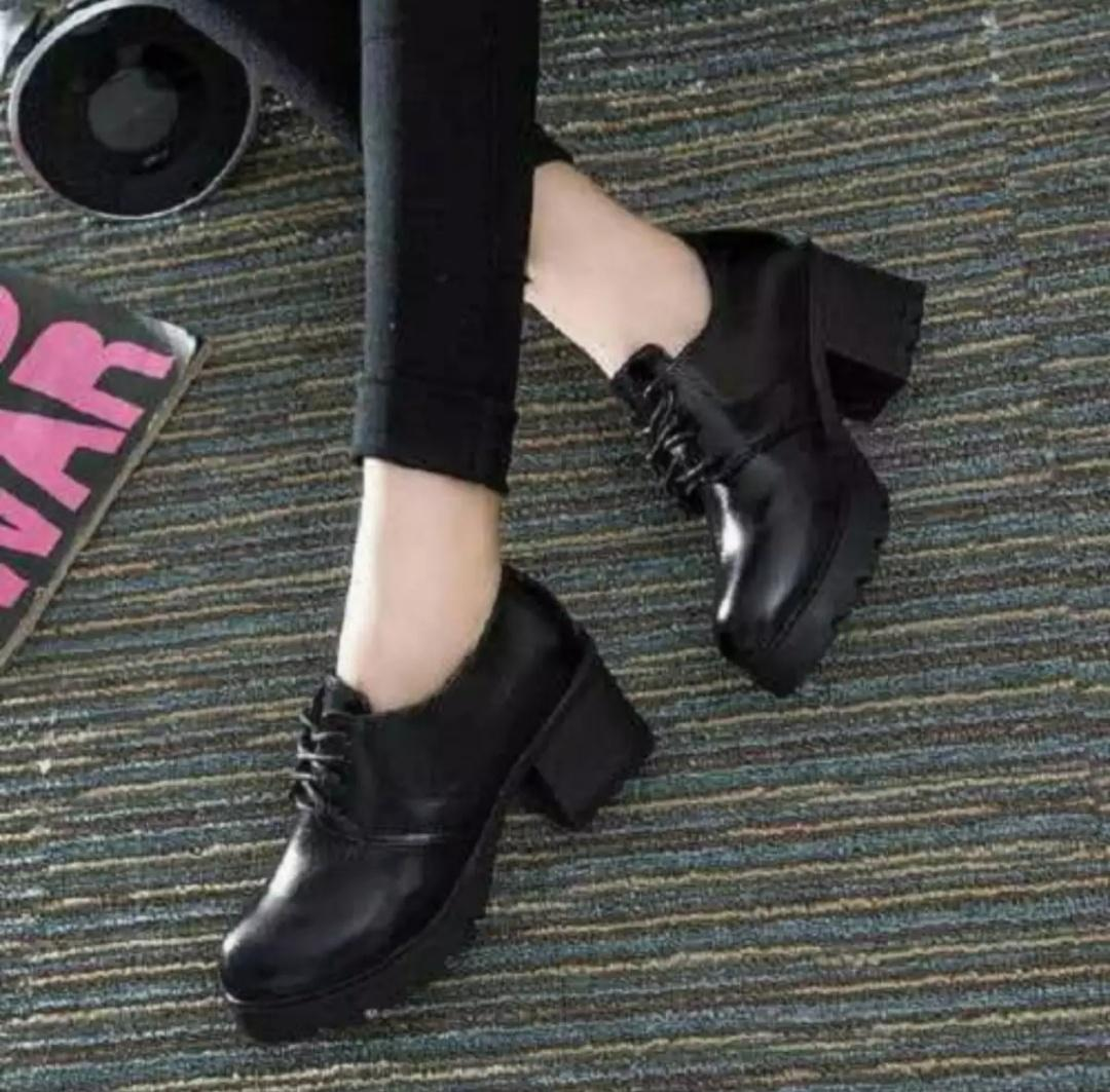 Jual Boots Wanita Terbaru  30fa679c1e