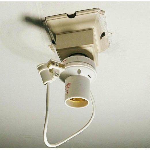 Fitting Lampu Teras Dgn Sensor Otomatis Nyala Pd Saat Gelap