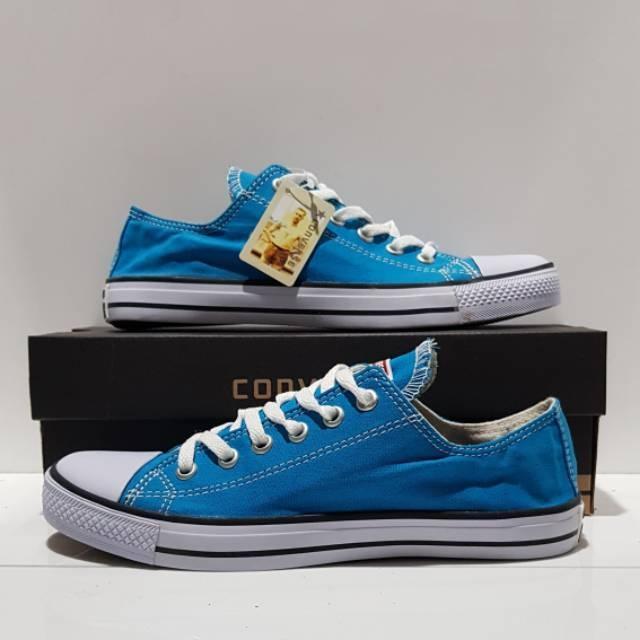 Sepatu kanvas UNISEX all star pria / wanita