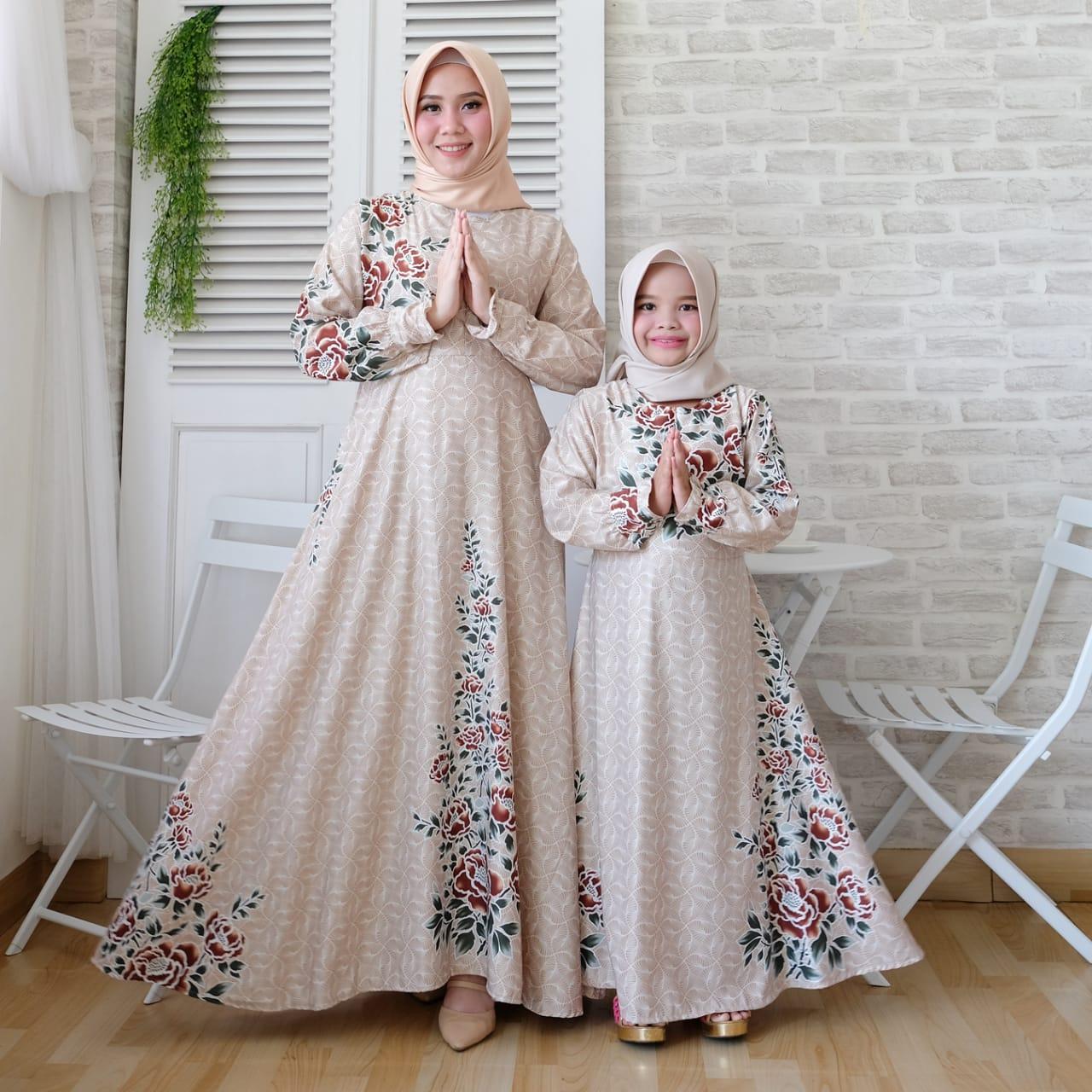 Ini Harga Gamis Batik Kombinasi Polos Untuk Ibu Ibu Terlaris Batik