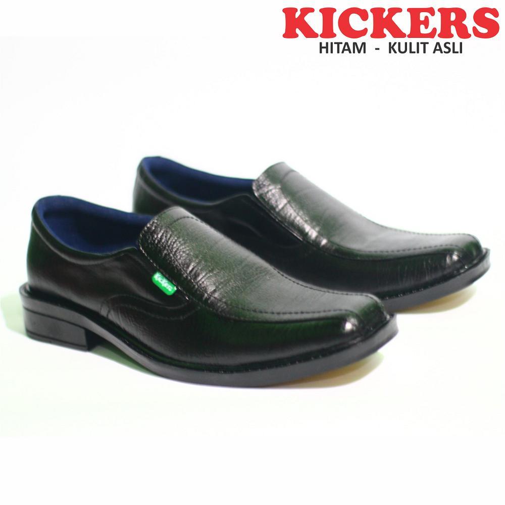 Sepatu Kickers Asli Kulit Sapi Pantofel Formal Pria Kerja Kantor Warna  Hitam   Tan 371f4209e0
