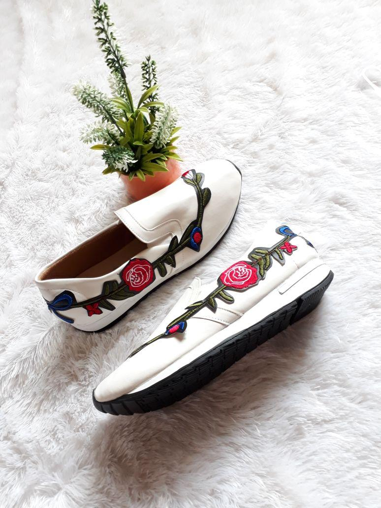 Adibamine-Sepatu Sneakers Wanita Bunga Bordir New