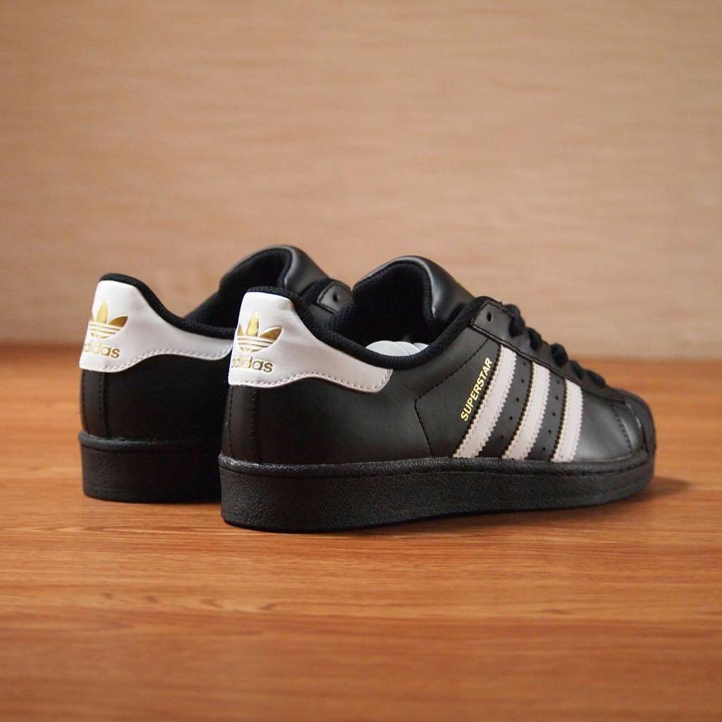 Sepatu sneakers skate adidas superstar premium cowok