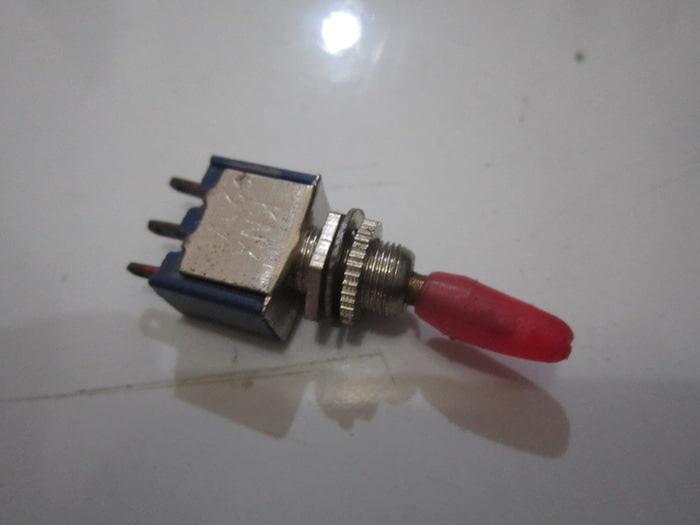Togel Kecil 3 Pin