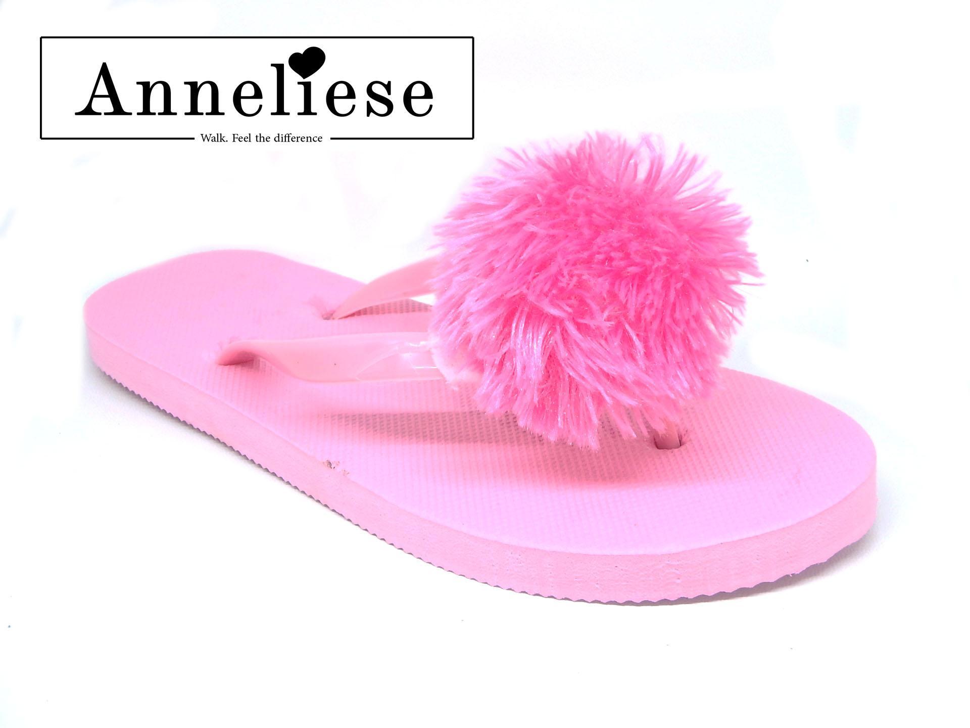 Anneliese sandal jepit pompom wanita