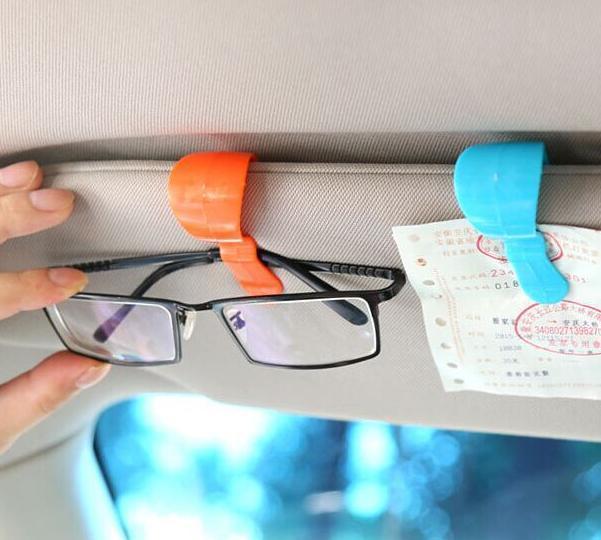 Set Penjepit Plastik untuk Kacamata / Barang di Visor Mobil (Isi 2) MP RAMAYANA 1648