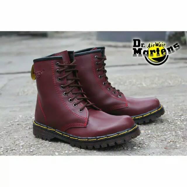Sepatu Boots Pria Docmart Dr Martens Sepatu Touring Tracking PDH Pria 8  Lubang   Hole 7a49eb3b5c
