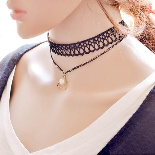 LRC Kalung Elegant Black Triangle Pendant Decorated Hollow Out Chain Necklace