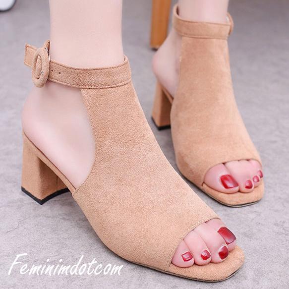 High Heels Kotak Kokop Tinggi Cream Sepatu Sandal Wanita Populer