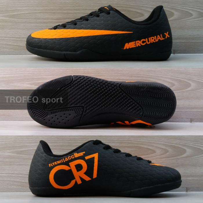 Sepatu futsal anak  kids Nike CR7 Jr hitam orange