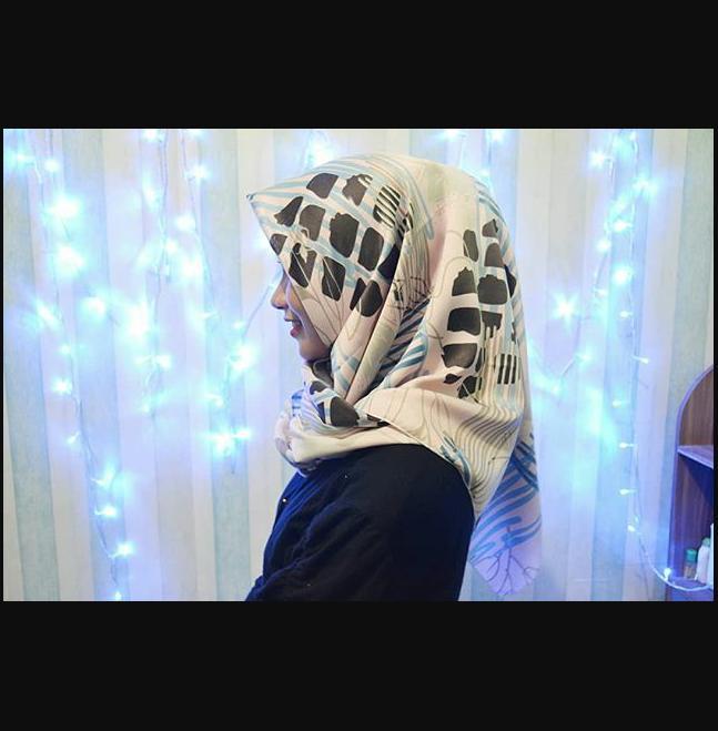Hijab jilbab Segiempat Segi Empat Velvet Monalisa Maxmara MurahIDR35000. Rp 39.900.
