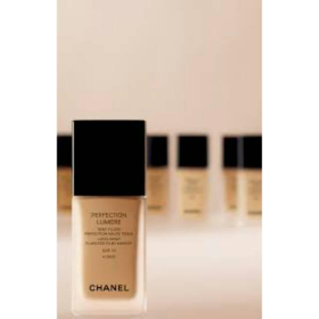 Chanel perfection lumiere foundation br12
