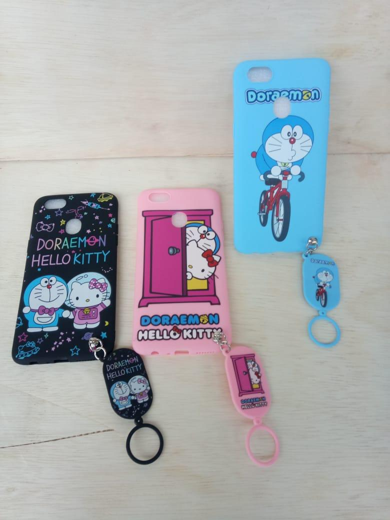 Case Karakter Hello Kitty / Doraemon Free Gantungan For Oppo F5