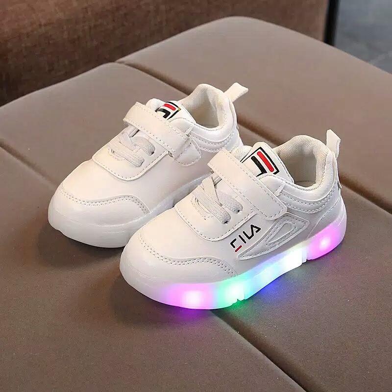 Sepatu Sneakers Anak Perempuan  399d96cec0