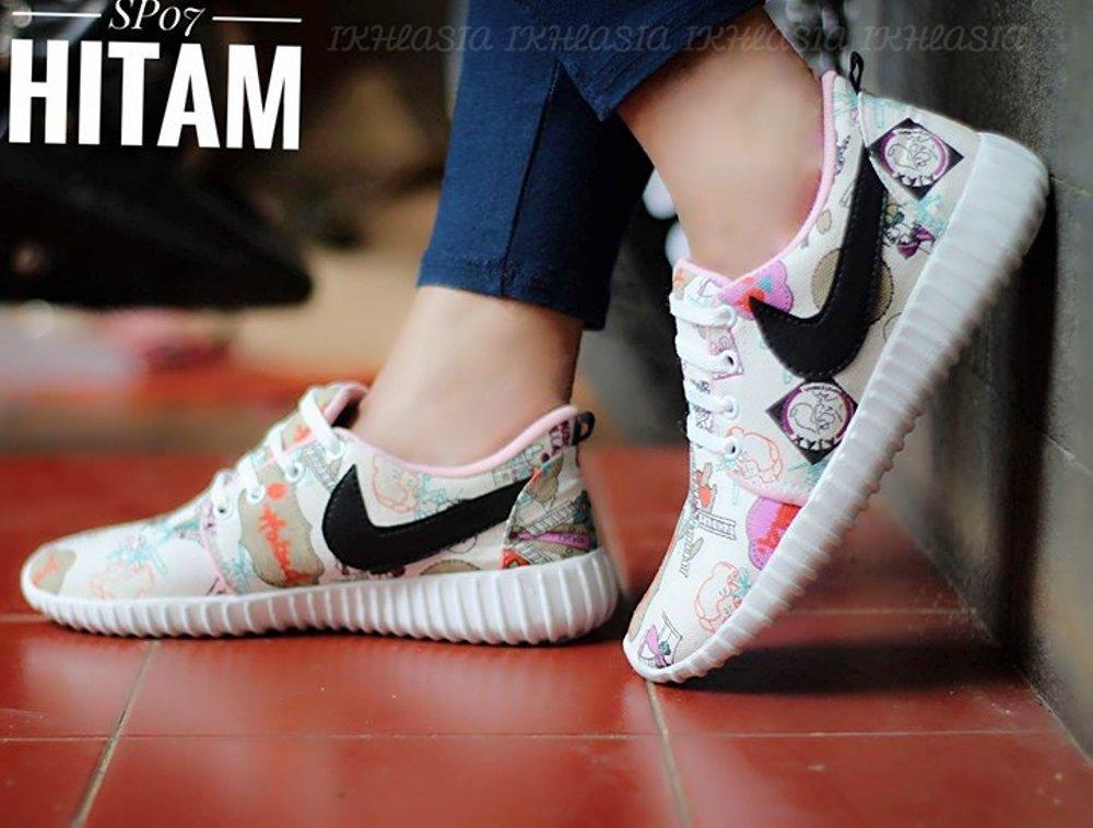 Sepatu kets Holland Nike Lis Hitam SP07