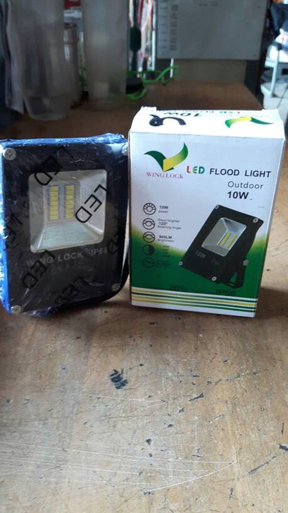 Daftar Harga Lampu Sorot Murah Terbaru 2018 Tembak Led Spion Motor Lemari Etalase 4 Mata 12v 2w Floodlight 10w Berkualiitas