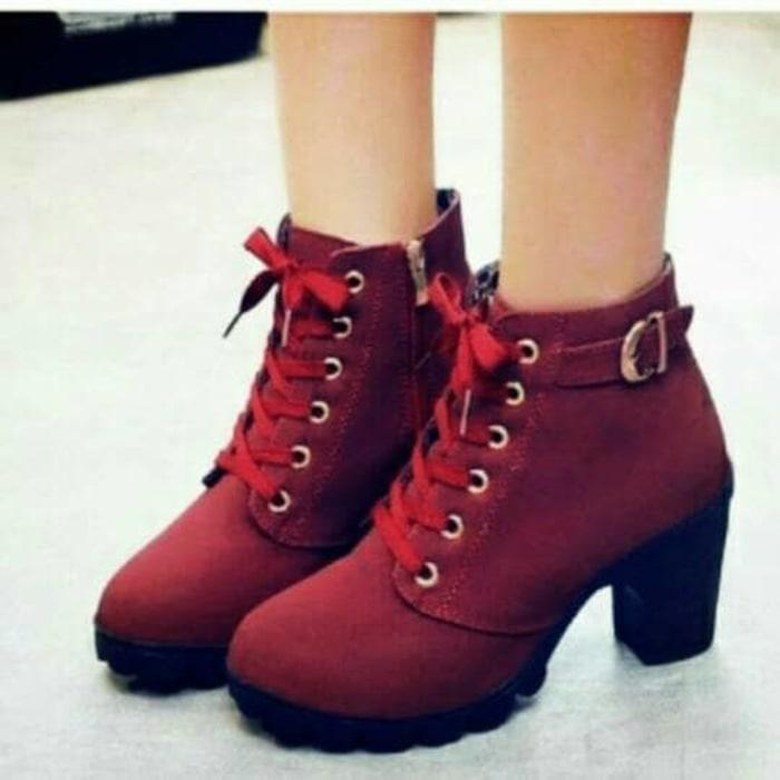 BRYANS SHOES SEPATU MURAH BOOT RESLETING GHS - 284 BIG HEELS GESPER BT02