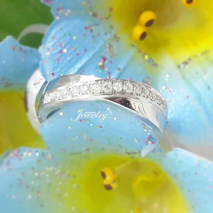 Pesanan Satu Cincin Nikah Emas Putih Berlian Eropa Natural Diamond