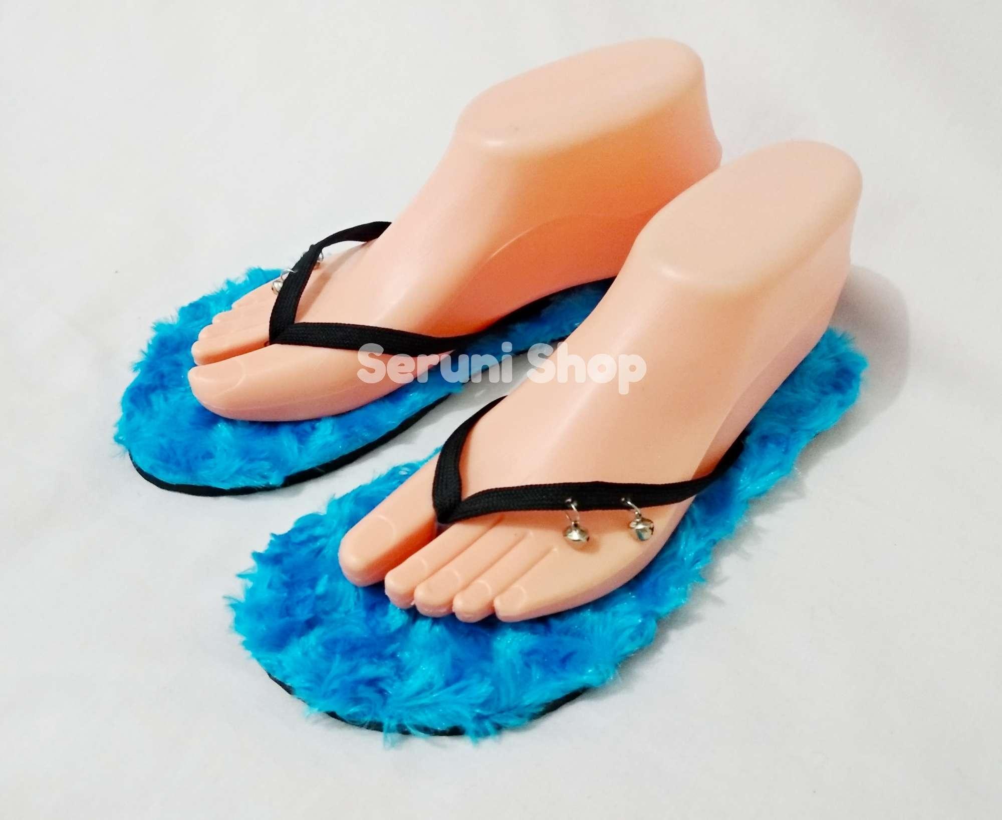 Seruni Flat Sandals Jepit Bulu Biru