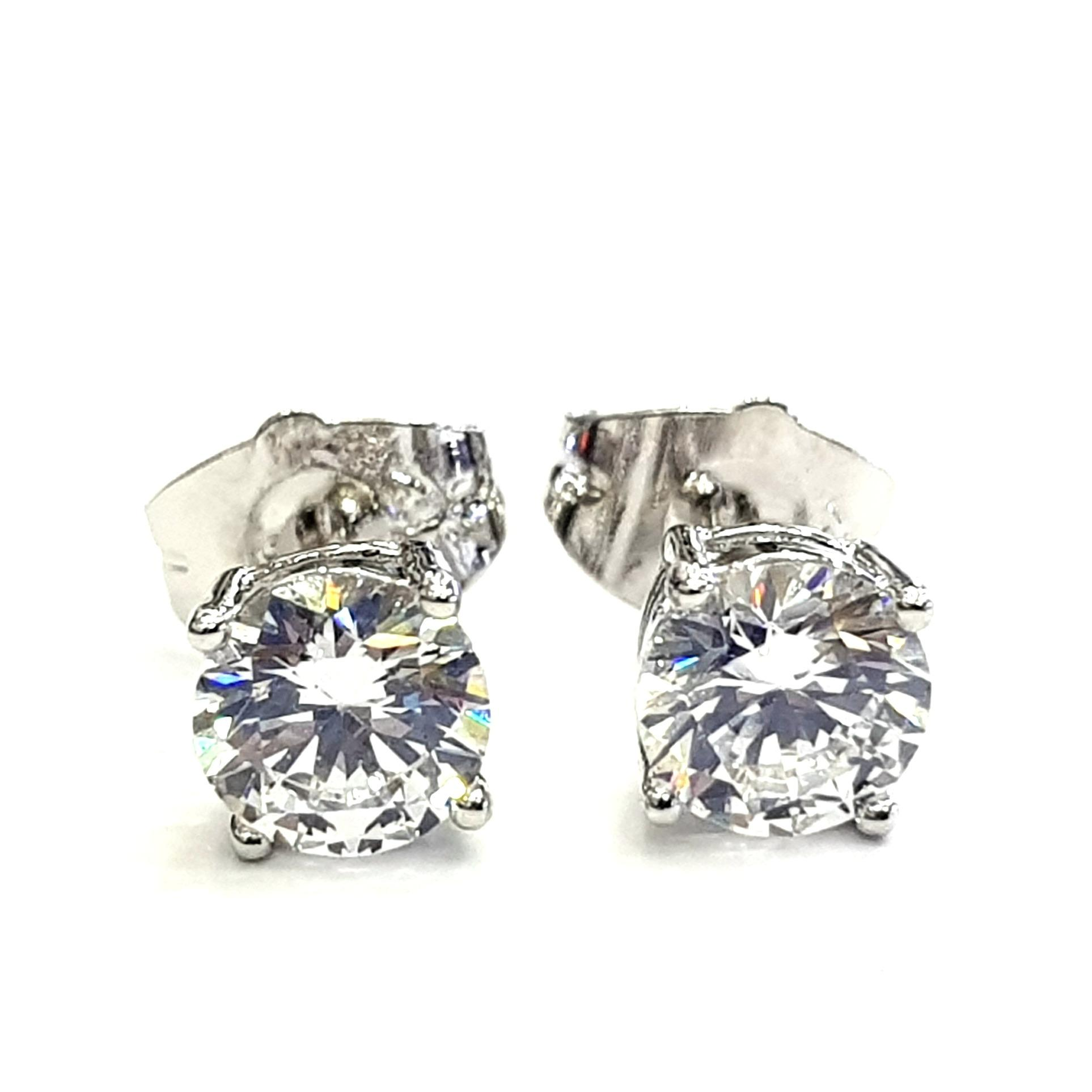 Anting Tusuk Simple Stud Solitaire Diamond 5 MM - Silver