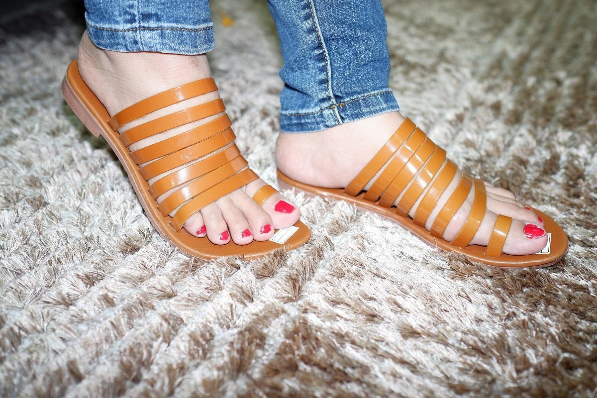 Jastip Sandal Flat Kronjo Wanita RJ - 01 New Colour & Material