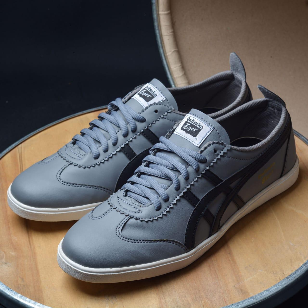 Sepatu Pria Sport Asics Tiger Terlaris Di LAZADA - Grey -