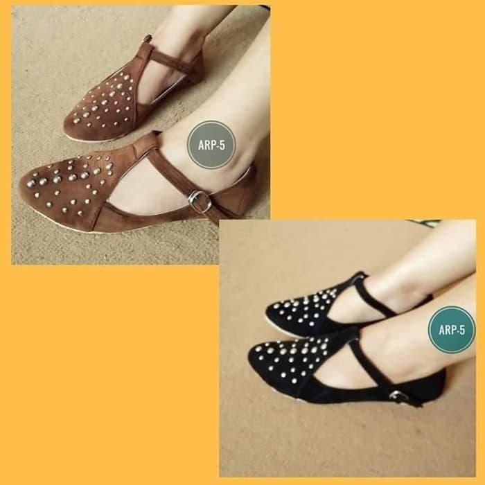 Sepatu Wanita Flat Shoes Kickers Tikar Cream,coklat ,hitam