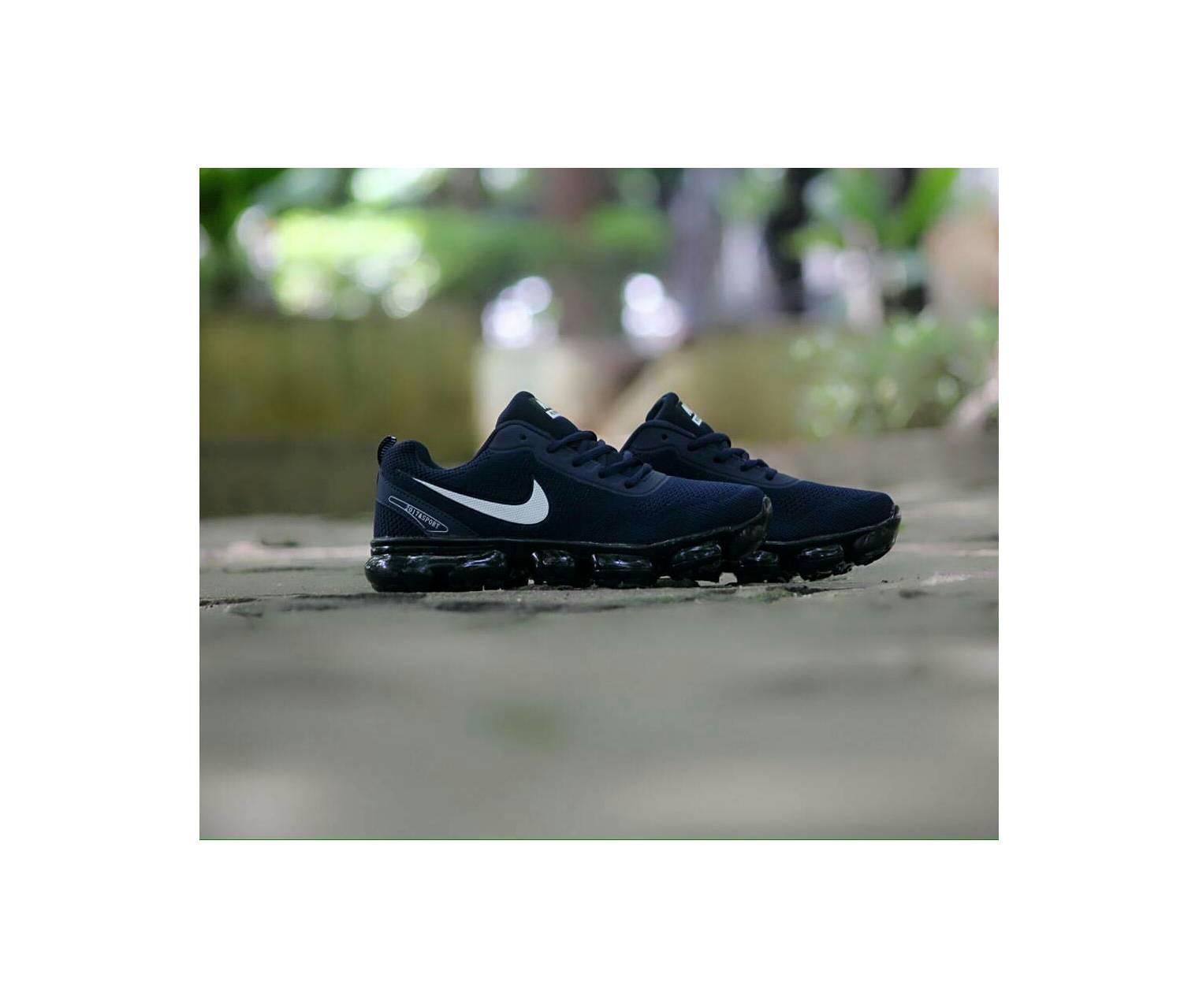 Sepatu terlaris Nike Vapormax
