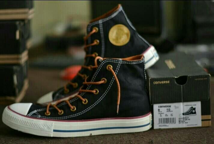 Sepatu CONVERSE CLASICK ALLSTAR tali tan sepatu sneakers pria