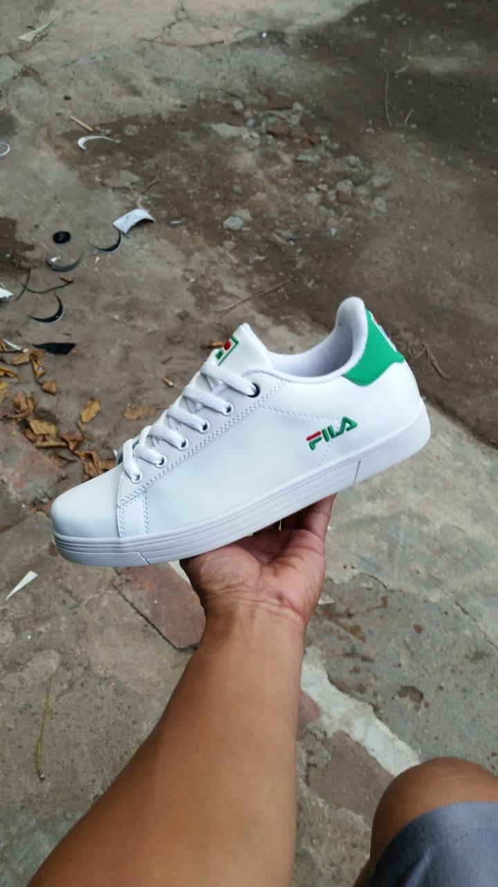 Casual Fila Neo W Black White Charcoal Sepatu Pria Hitam - Daftar ... 02608be97b