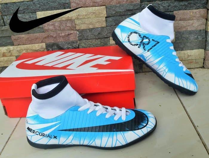 Kiat Belanja Sepatu Nike Futsal Terkini Semua Situs Ecommerce ... d4aa438087
