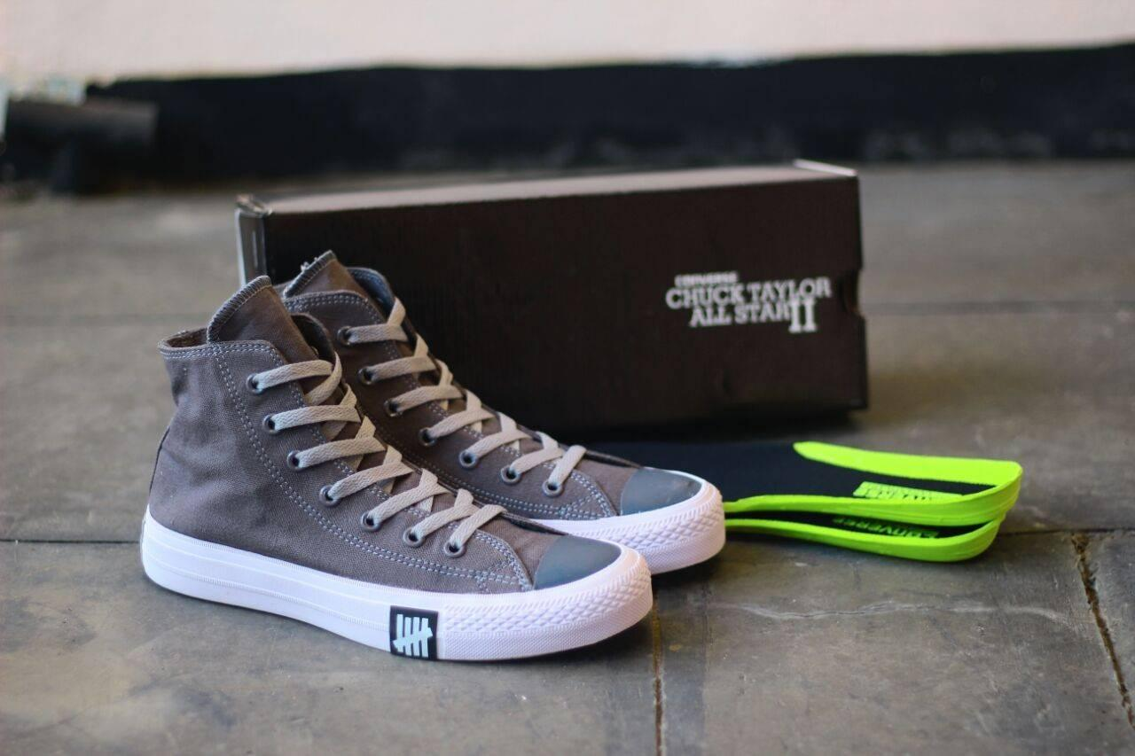 Sepatu Sneakers Pria Converse CT Undefeated HIGH For Men Size 39-43 Sepatu Sekolah Warna Abu