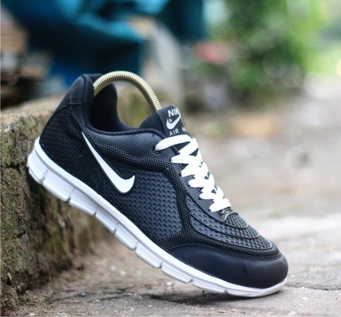 Sepatu Sport Pria Keren Berkualitas - CUCI GUDANG