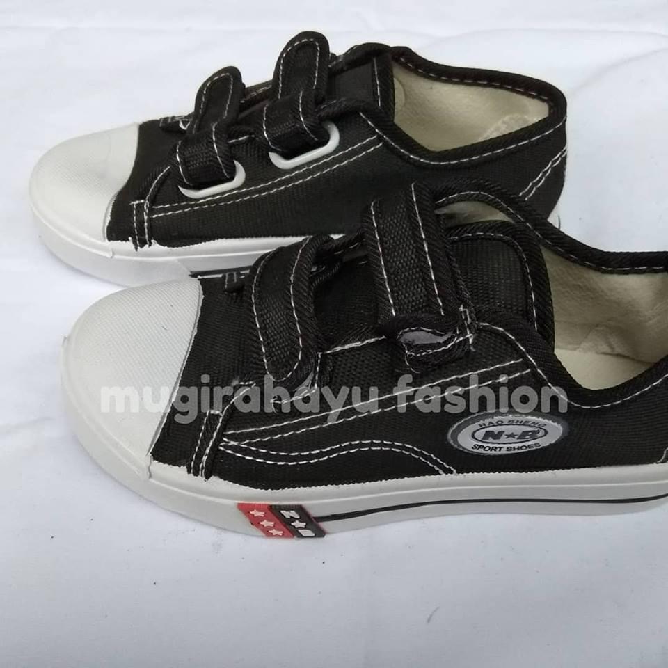 Sepatu Sekolah NB Hitam Putih SD SMP