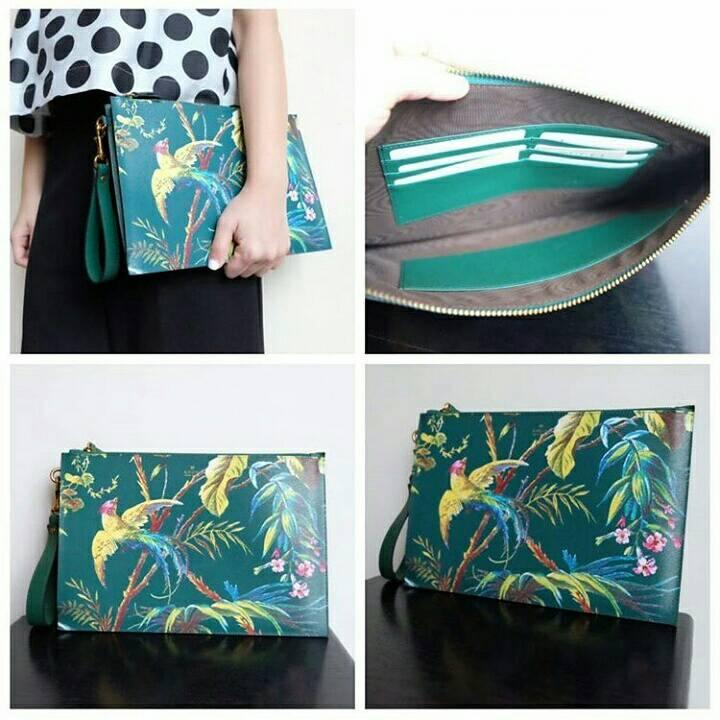 JUAL TAS GUCCI TIAN WRISTLET CLUTCH SWIFT LEATHER GREEN 6CARDSLOT