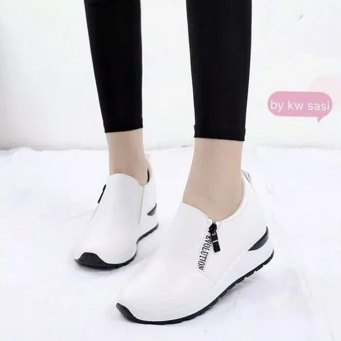 SEPATU slip on (Evolution) PUTIH