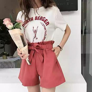 168 Collection Celana Pendek Jeans Felicya Hot Pants Short Pants WanitaIDR77900. Rp 79.900