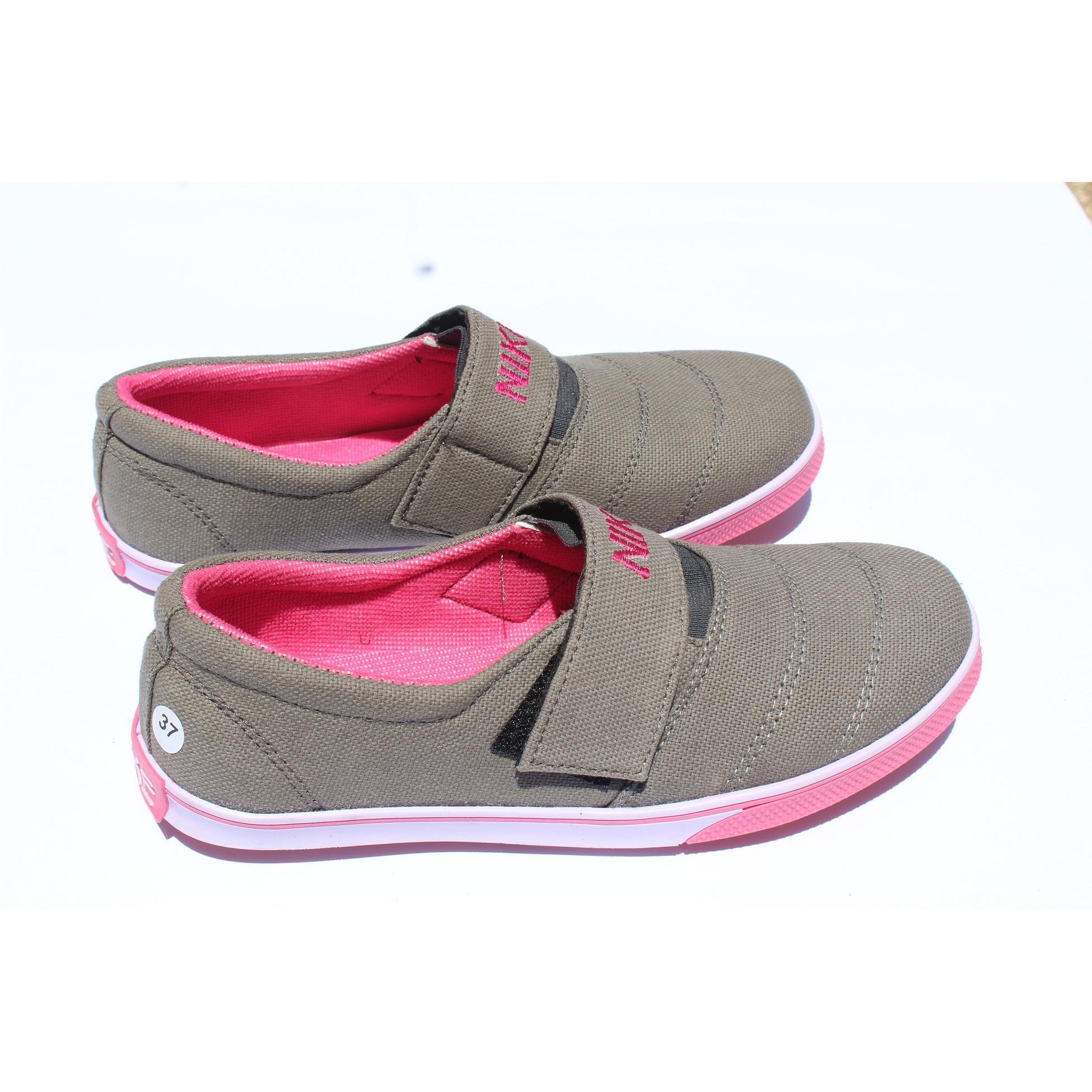 ad369ffa56461887a6e61d43ec5caeca Kumpulan Daftar Harga Sepatu Wanita Casual Terbaru Terbaik tahun ini