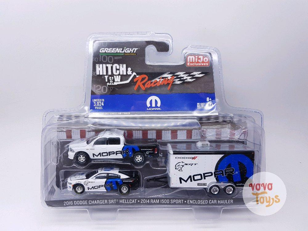 Greenlight Hitch and Tow Racing Mopar Mijo Exclusive # Vovo Toys vovotoys
