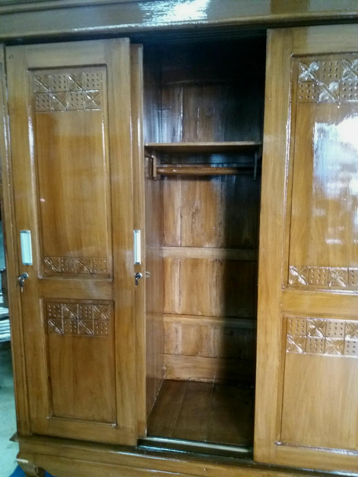 lemari pakaian 3 pintu kayu jati ukir sleding
