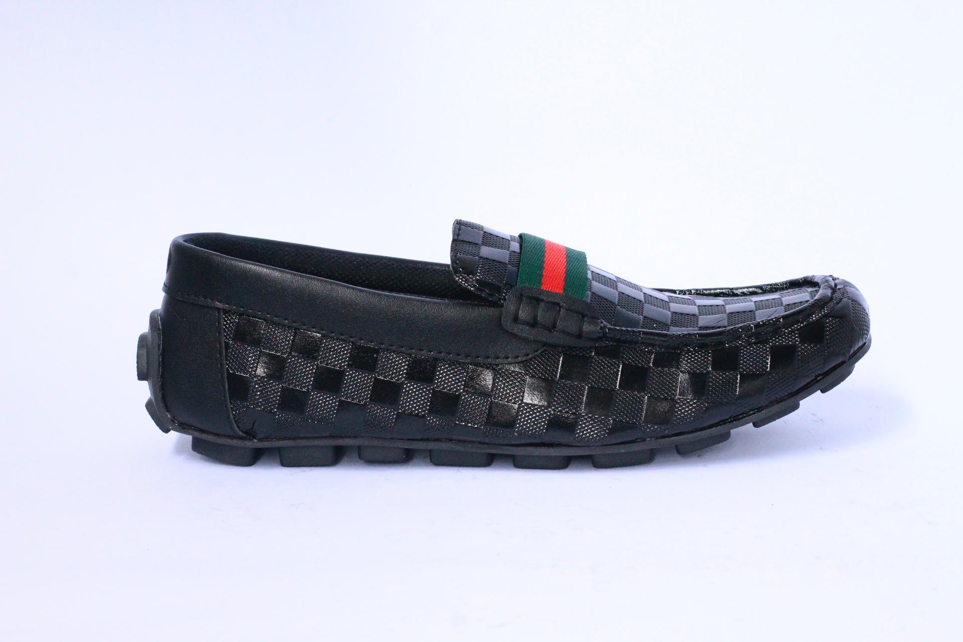 Sepatu kasual pria   sepatu slip on pria   sepatu slop loafers   sepatu  pantofel casual a868eea612