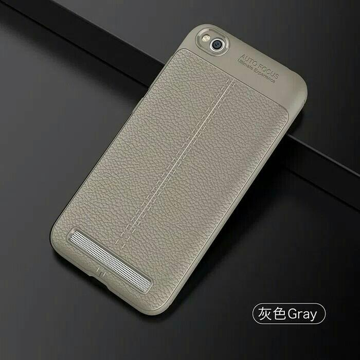 Best Seller - Leather Auto Focus Xiaomi Redmi 5A Case Casing Back Cover Carbon - Casing Hp Terlaris Dan Terbaru