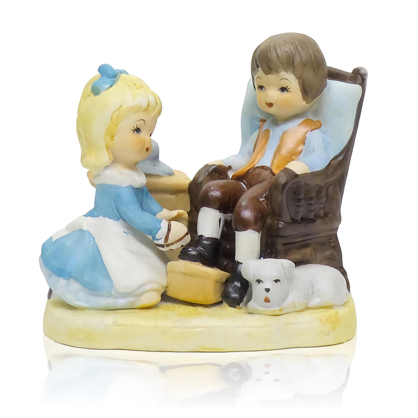 OHOME Patung Pajangan EK-P-1503 Polystone Couple Porcelain Porselin Dekorasi Interior Warni