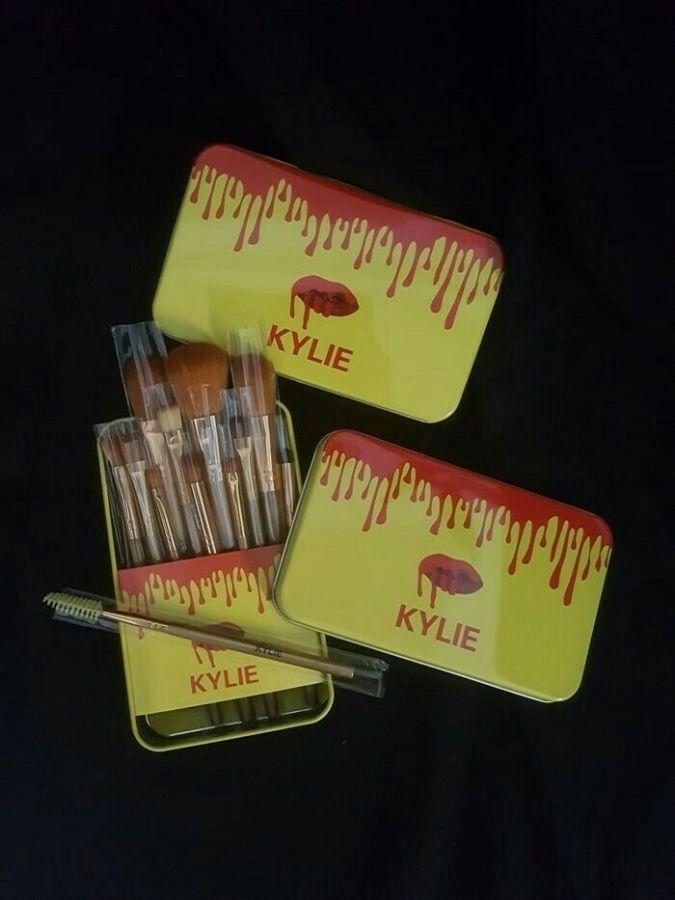 Produk Rekomendasi - Kuas Kaleng KYLIE Gold Isi 12 set - Set Makeup Brush