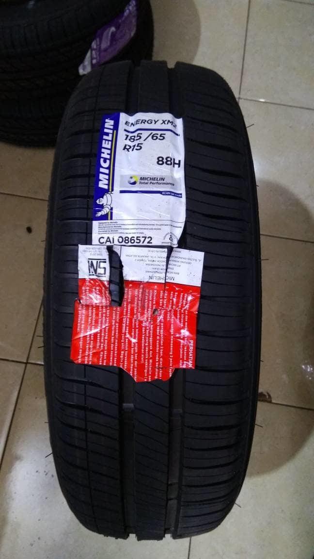 Ban Michelin XM2 185/65 R15 88H