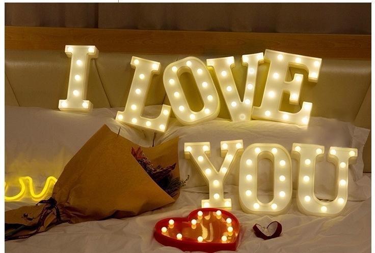 Paroparoshop Lampu Tidur Karakter Lampu Meja Hias LED ALPHABET LAMP - Q
