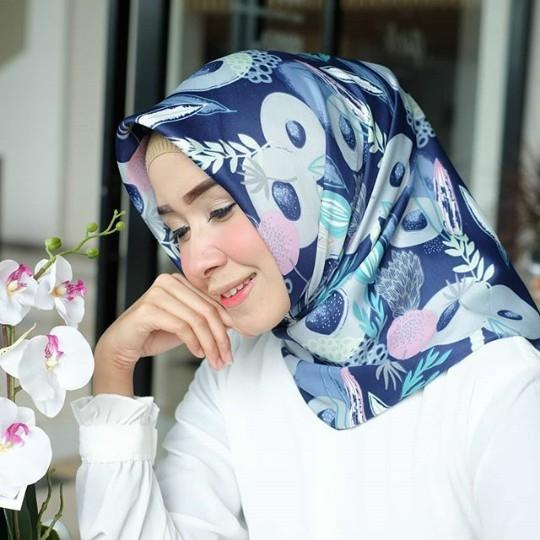 El Hijab Jilbab Segi Empat Maxmara Premium Bunga Daun - Kerudung Jilbab Segi Empat Fashion Muslim Hijab Jilbab Segiempat Syari Khimar Motif Pashmina Motif Bunga Daun Hijab Modern Hijab Kekinian Hijab Daily Selebgram Hijab Pesta