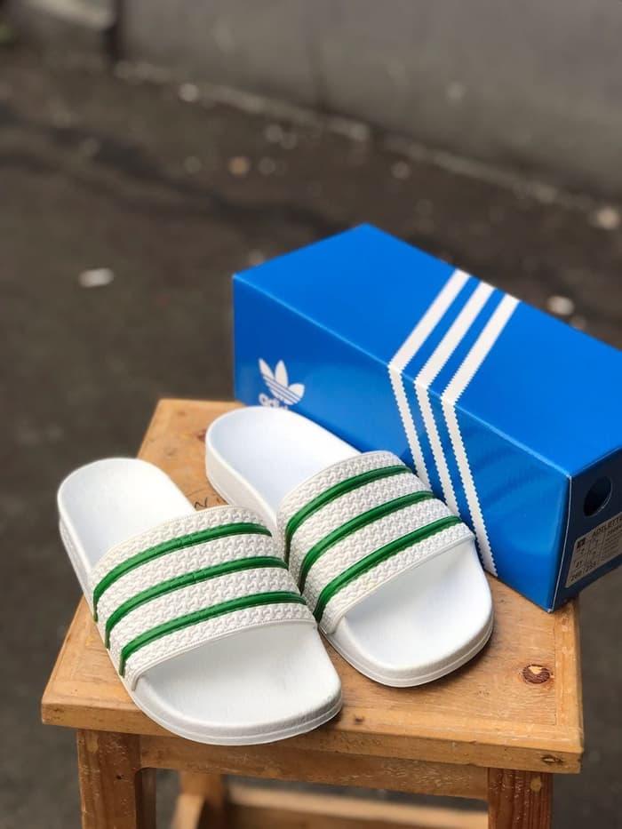 Sedang Diskon!! Sandal Adidas Adilette Made In Italy - ready stock